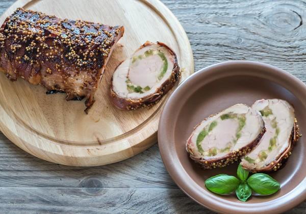 Schweine Filet gefüllt mediterran im Speckmantel